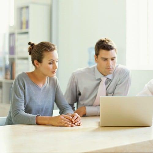 woman-man-looking-laptop