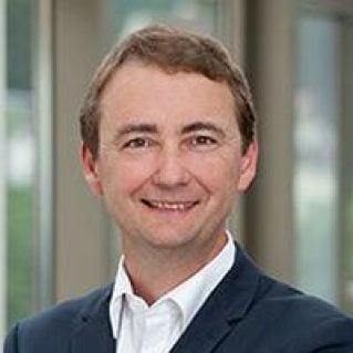 Dr. Gerhard Svolba