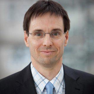 Dr. Christof Mackrodt