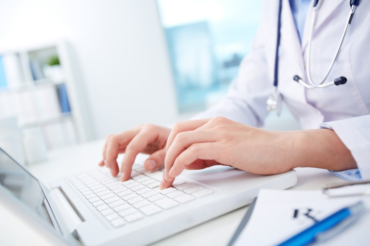 Doctor laptop health care