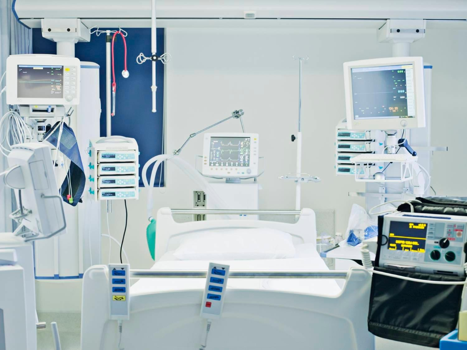 Intensive care hospital bed
