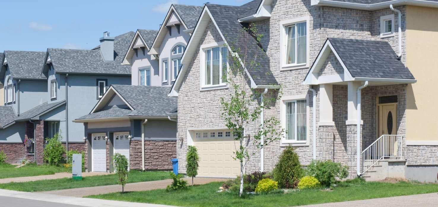 Street view of suburban houses