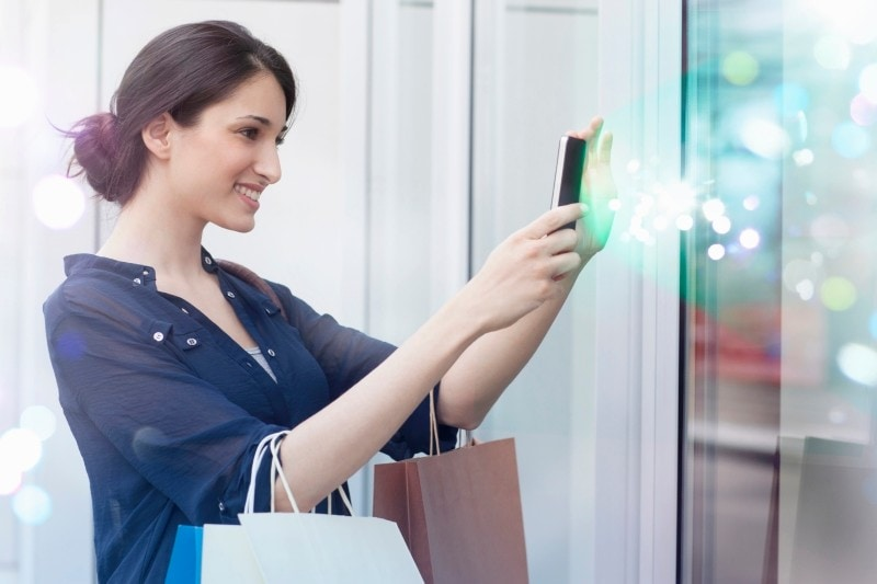 woman-shopping-cell-phone