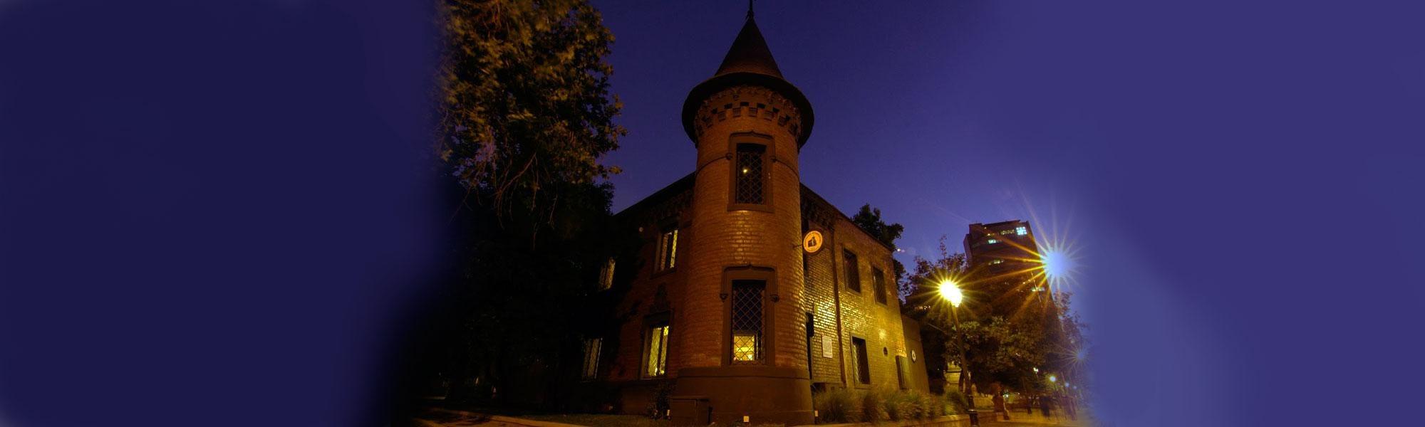 Castillo Forestal, Santiago