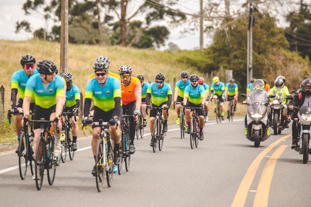 SAS Colombia cycling team racing.
