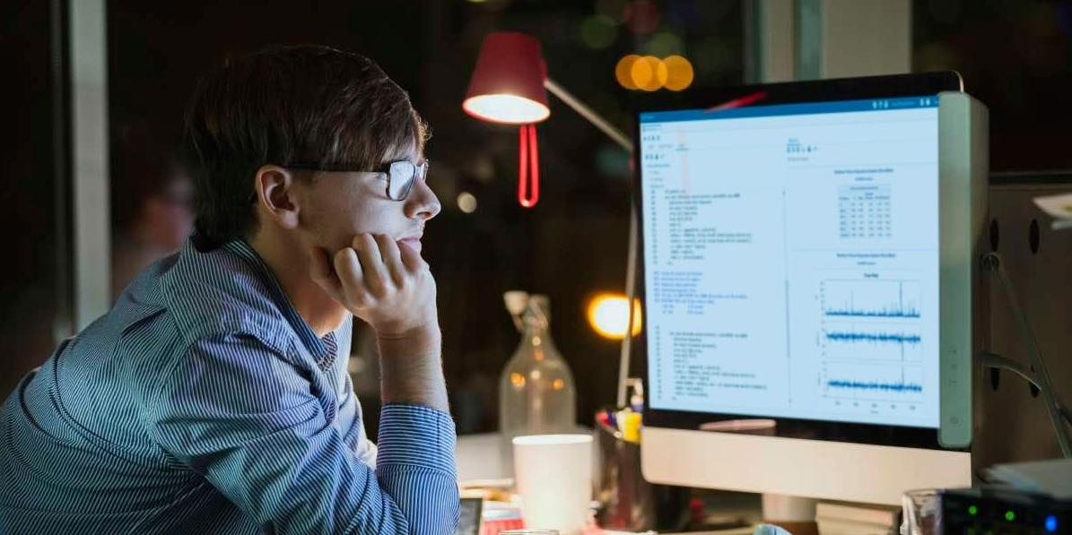 thumbnail of finger pointing at computer screen showing visual analytics report