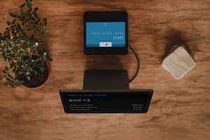 Online payment process on a screen