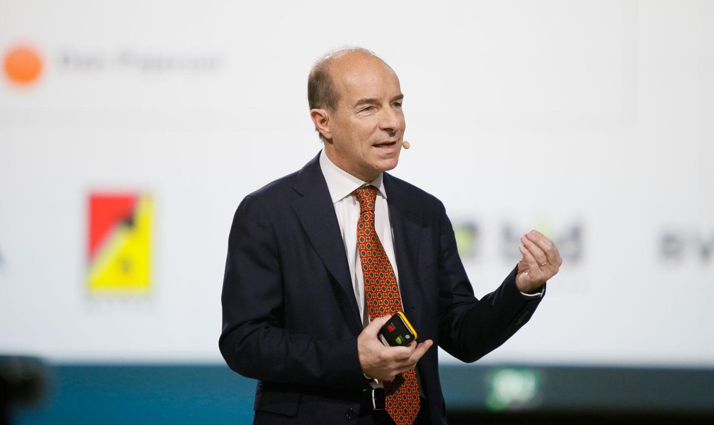 Marco ICardi, SAS Italy CEO presenting