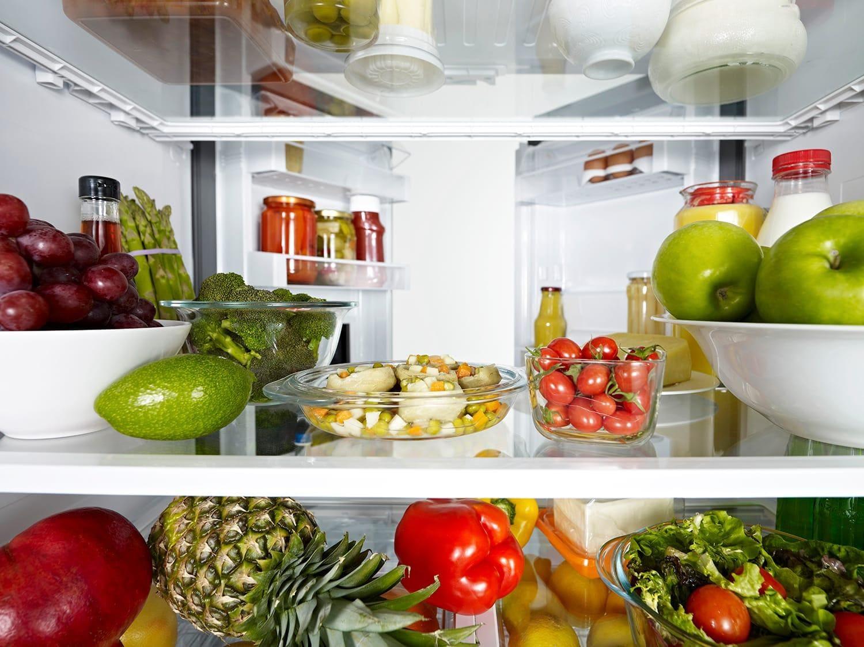 冷蔵庫の内側からの眺め
