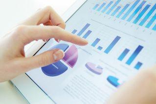 組織に最適な分析を取り入れる4つのステップ