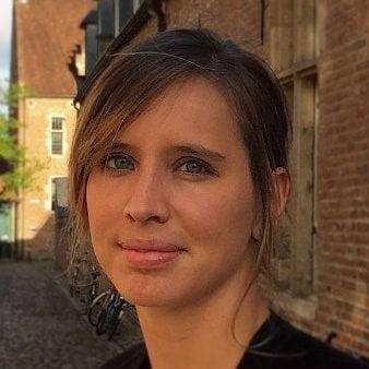 Véronique Van Vlasselaer