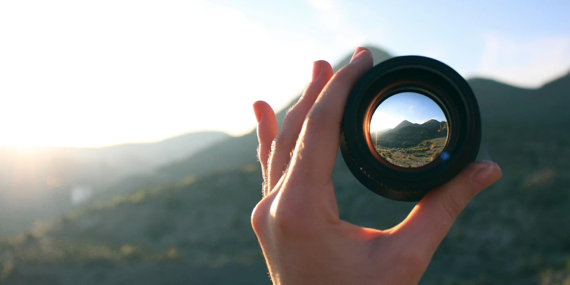 hand with lens focus