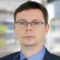 Dr Mariusz Strojny