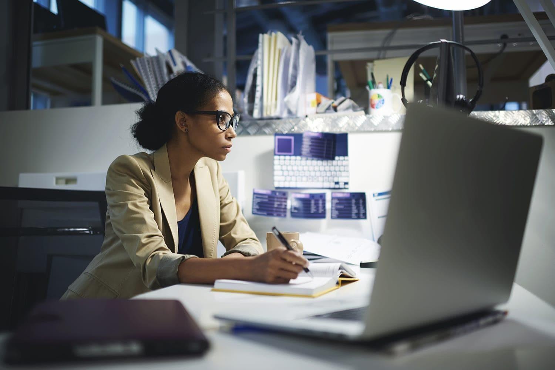 Dlaczego firmom tak trudno znaleźć specjalistów data science?