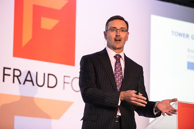 David Stewart no palco do SAS Fraud Forum