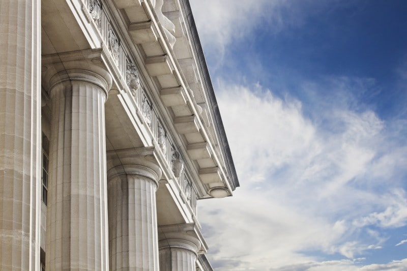 Government-building-with-columns