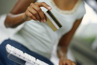 Como conquistar a lealdade de compradores online inconstantes?
