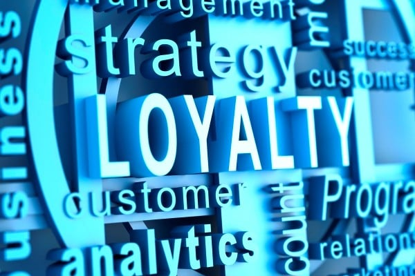 article-four-ways-retailers-use-analytics-to-improve-customer-loyalty