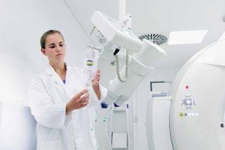 Использование глубокого обучения для сегментации опухоли в медицинских изображениях