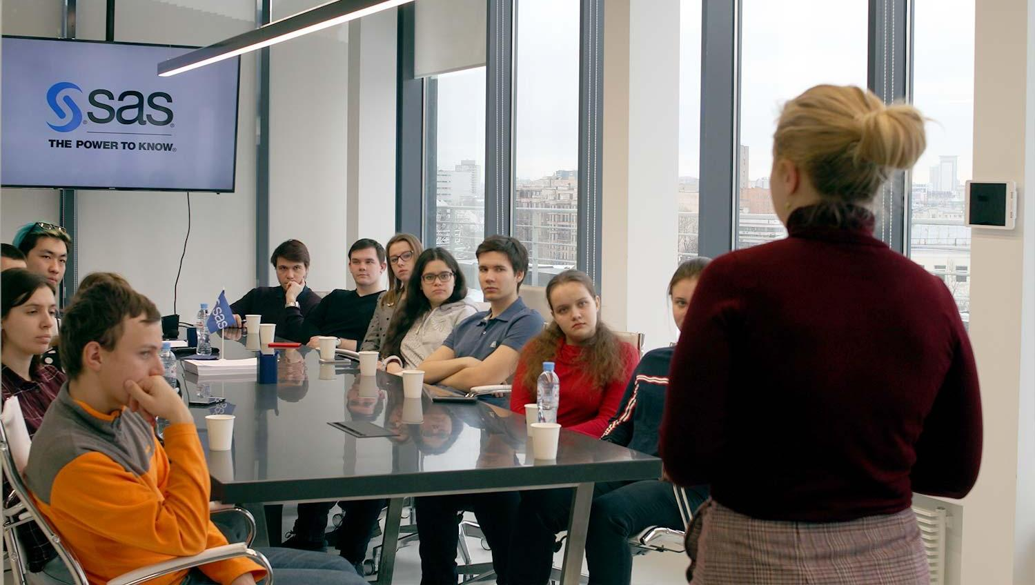 Employee tells students about SAS company