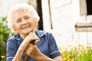 在健康监测服务的帮助下,优雅度晚年